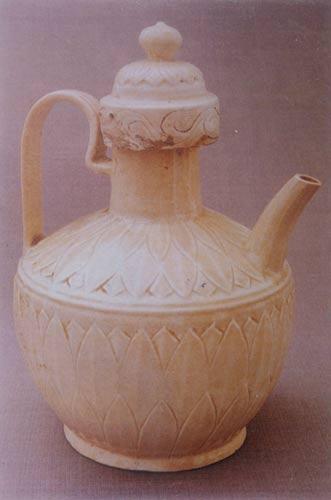 古代白瓷笔桶图片