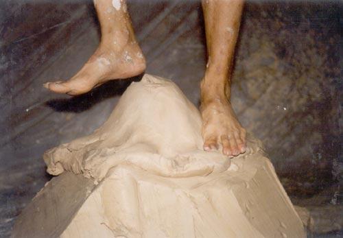 踩泥皮靴_美女中国美女牛仔裤图片踩泥雨靴_长筒图片女踩泥图片
